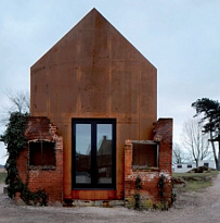 Dovecote studio, Snape Maltings, на берегу реки Альде, Снейп, Саффолк, Великобритания
